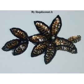 Motif feuilles paillettes